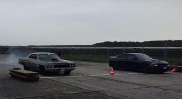 Dodge Polara 572 Hemi vs Dodge Charger
