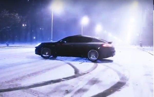 Porsche Panamera Snow