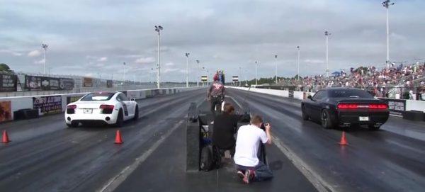 Dodge Challenger Hellcat vs Audi R8 V8