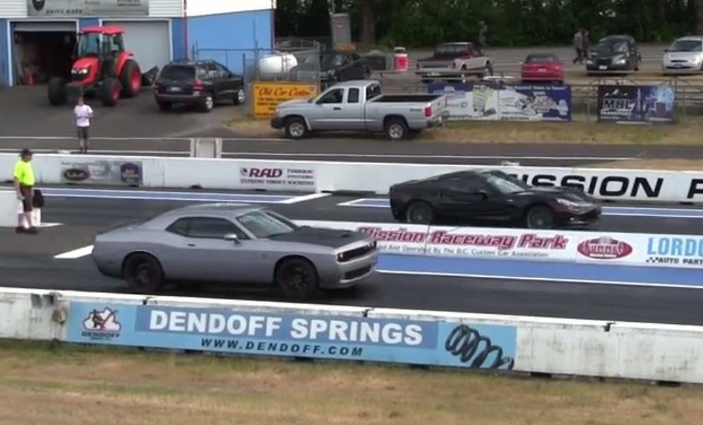 dodge challenger hellcat vs corvette zr1 quarter mile drag race. Cars Review. Best American Auto & Cars Review