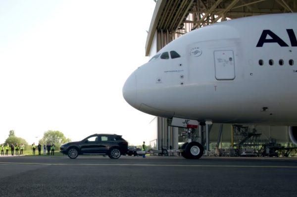 Porsche Cayenne pull an Airbus
